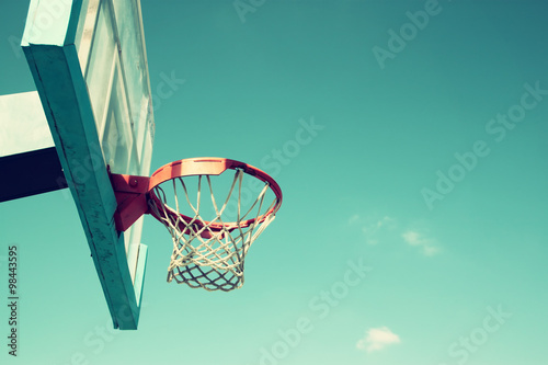 Zdjęcia upward view of basketball hoop against sky