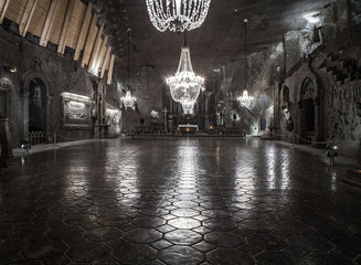 St. Kinga's Chapel 101 meters underground in Wieliczka Salt Mine © Train arrival