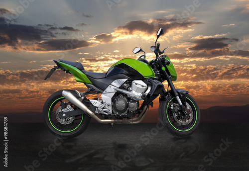 Photo sport bike at sunset