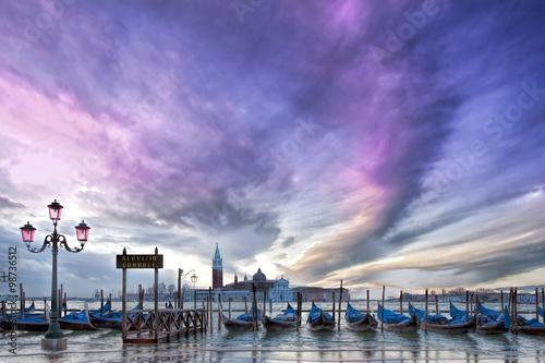 Papiers peints Bestsellers Gondeln in Venedig