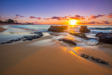 Sunrise over Sandy's Beach in Honolulu © shanemyersphoto