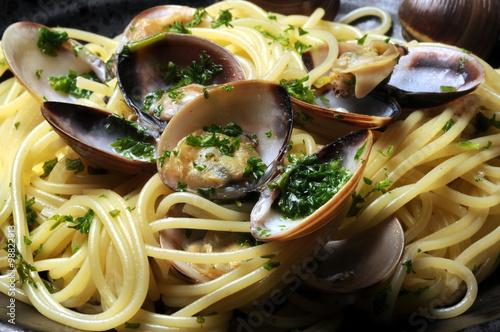 Spaghetti con le vongole ヴォンゴレ 스파게티 알레 봉골레 مطبخ نابولي Cucina napoletana Masakan плакат