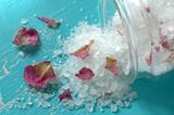Bath salt with rose patels - 98905517
