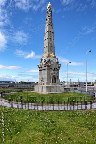 Poster Titanic Denkmal am Hafen von Liverpool