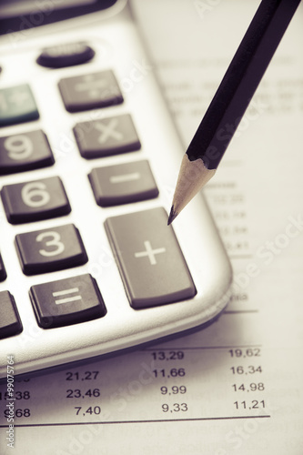 Calculator  - 99075764