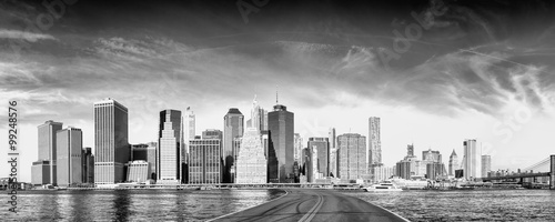 Deurstickers New York Road to New York City. Holiday and travel concept. Black and whi