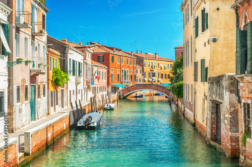 fototapeta na ścianę Narrow canal in Venice, Italy.