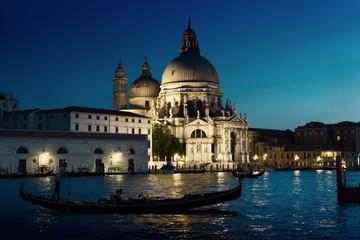 Bazylika Santa Maria della Salute w zachód słońca, Wenecja, Włochy