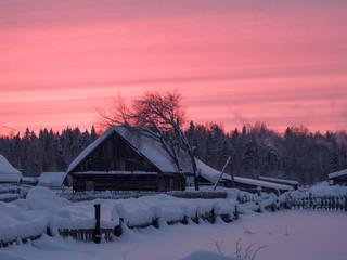 Зимний вечер, красный закат