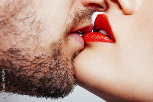 Juliste Man and woman lips wants to kiss