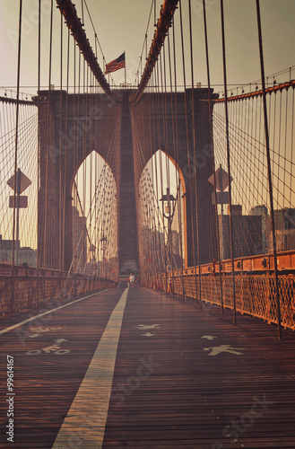 Obraz na Plexi View along the pedestrian walkway, Brooklyn Bridge