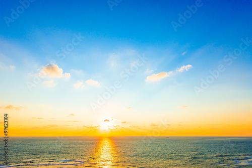 Foto op Plexiglas Landschappen Sunrise, sea, seascape. Okinawa, Japan.