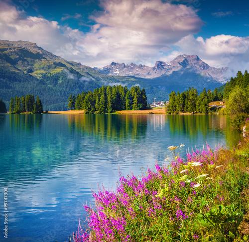Fototapeta Sunne summer scene on the Champferersee lake.