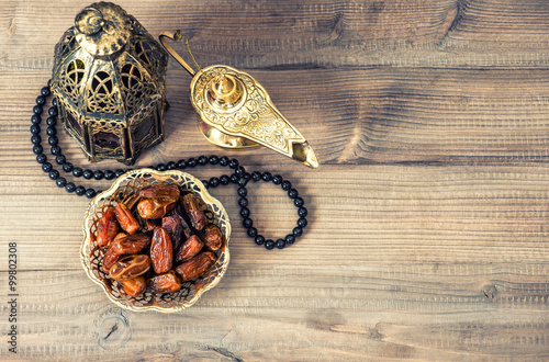 Ramadan lamp, rosary and dates. Holidays decoration © LiliGraphie