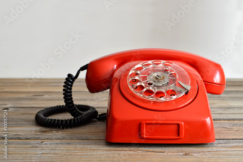 obraz PCV Vintage red telephone