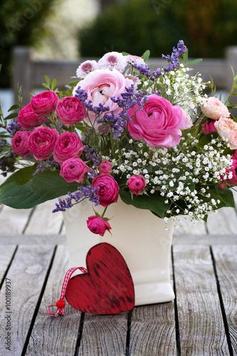Zdjęcia na płótnie, fototapety, obrazy : Romantic bouquet with pink roses