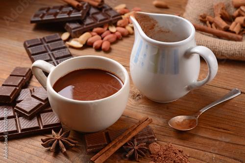 Poster Chocolade squisita cioccolata calda nella tazza