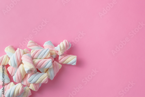 Colored tweested marshmallow - 100648761