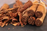 Fototapety Dry tobacco leaves and cigars