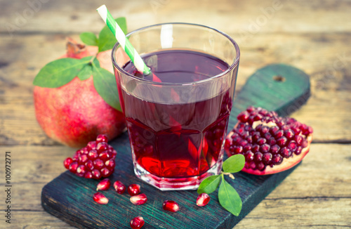 Fresh and healthy pomegranate juice
