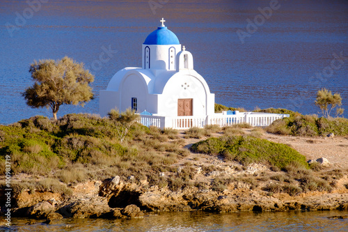 Poster Landscape view of white church at mediterranean beach, Amorgos
