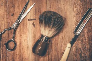 Grooming tools.