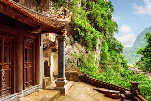 Tuinposter Diepbruine Scenic view of the Bich Dong Pagoda, Ninh Binh, Vietnam