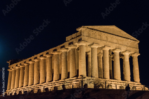 Staande foto Athene Temples in Agrigento night in Sicily - Italy