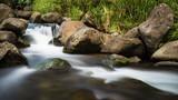 Flusslauf in den Bergen Hawai'is