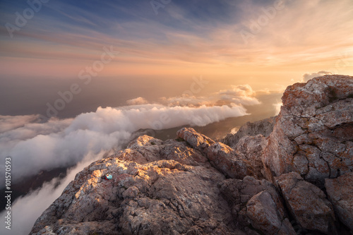 Papiers peints Lavende Beautiful landscape on the top of mountains with low clouds at sunset. Nature background