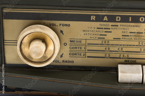 Poster ancient radio of 1940, used during the Second World War