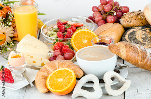 Good morning: healthy, delicious breakfast to enjoy :) Poster