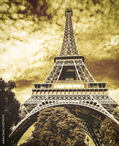 Foto op Aluminium Beijing The Eiffel tower, one of the most favorite landmarks in the worl