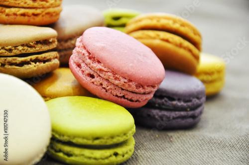 Fotobehang Macarons Macarons en vrac de couleur
