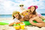 urlaub am strand mit kindern  - 101916955