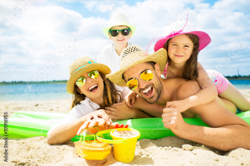 urlaub am strand mit kindern Poster