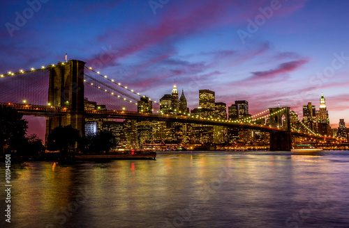 Brooklyn Bridge at sunset © Evgeny Dubinchuk