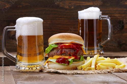 Hamburger , birra e patatine Poster