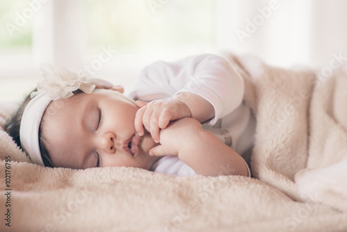 Poster Close-up portrait beautiful sleeping baby