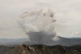 Erupción del Volcán Sinabung en Berastagi, Sumatra, Indonesia