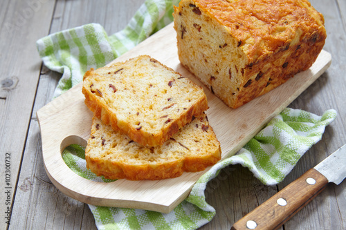 Poster Corn bread with bacon and cheddar