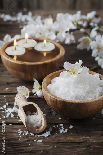 Foto op Plexiglas Spa SPA treatment with salt, almond and candles