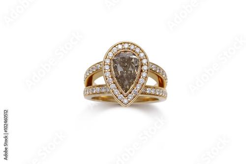 Wspaniały pierścionek z diamentem w kształcie łzy z otwartym trzpieniem