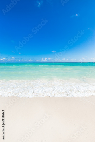 Foto op Plexiglas Tropical strand beautiful tropical sea