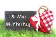 Muttertag, 8. Mai Muttertag, Tafel mit Schrift, Herz, Copyspace