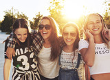 Fototapety Teenage girls laughing