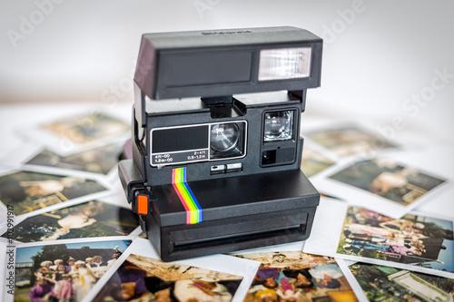 Stary aparat fotograficzny, Polaroid