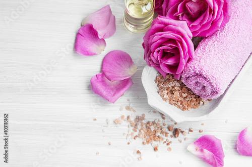 Zdjęcia na płótnie, fototapety, obrazy : Spa setting with roses, bath salt and body-oil
