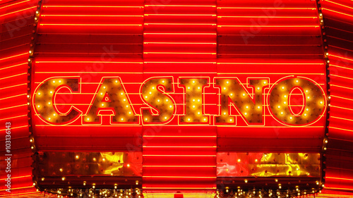 Tuinposter Las Vegas Word Casino in Neon Lights - Las Vegas