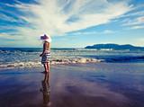 Fototapeta Nature - Dziecko na plaży © agazag2